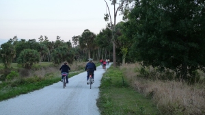 Bicyclists on Trail_Riverbend Park.JPG