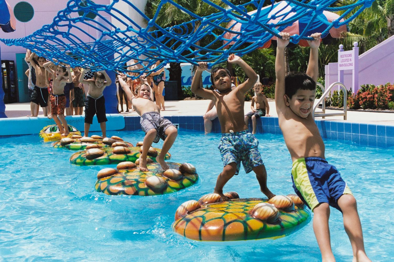 Coconut_Cove_Waterpark_1