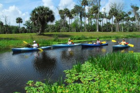 Kayaking_Riverbend_2.jpg